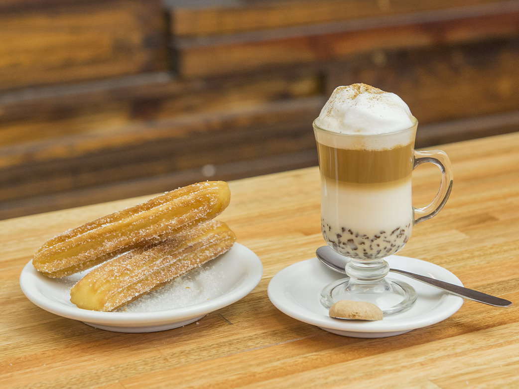 Capuchino con churros